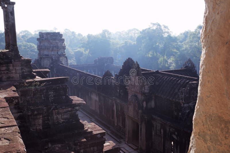 Средневековые руины виска в Камбодже Получившийся отказ буддийский висок Архитектурноакустическое искусство старых цивилизаций стоковые изображения rf