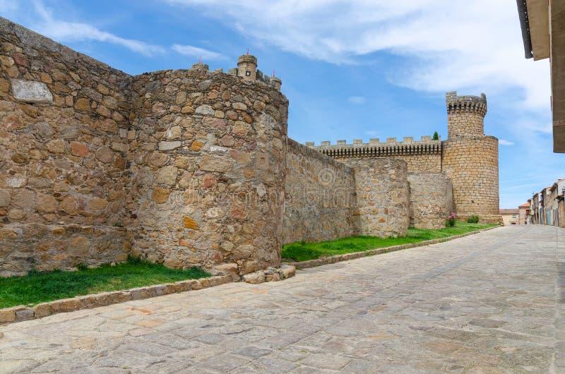 Средневековый замок в Oropesa toledo r стоковая фотография rf