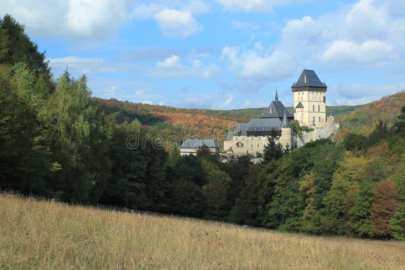 Средневековый замок Карлштейн стоковые изображения