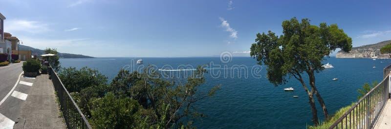 Среднеземноморской взгляд Сорренто, Италии стоковое изображение