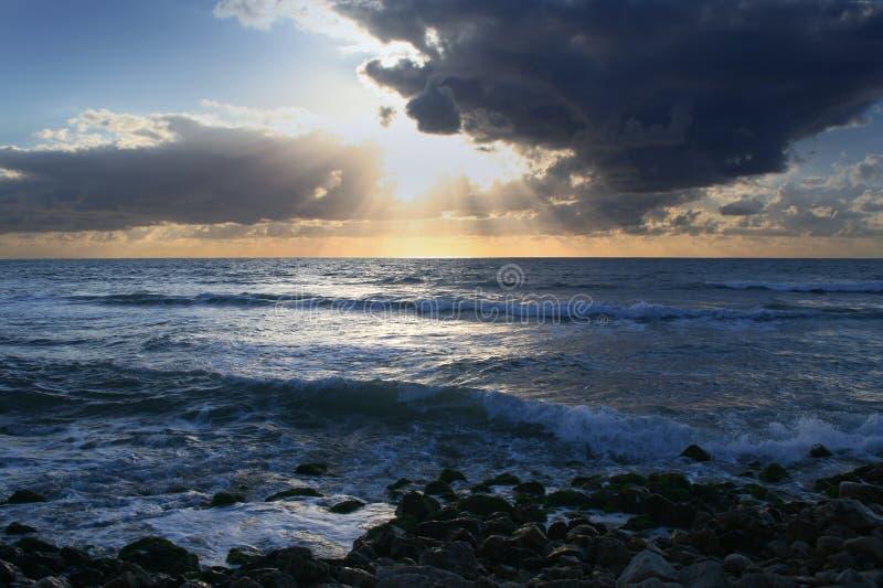 среднеземноморской заход солнца стоковое фото rf