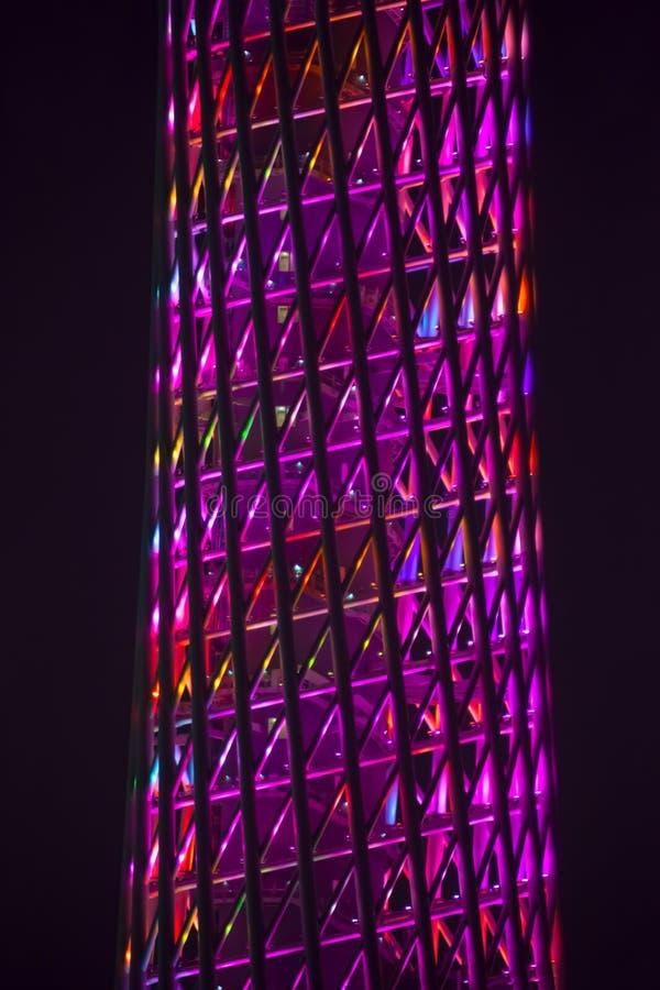 Средняя часть башни TV на ноче стоковое изображение