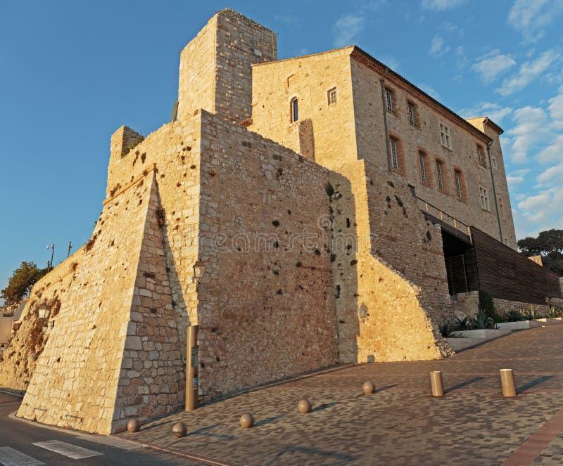 Средневековая крепость на зоре Антиб стоковая фотография