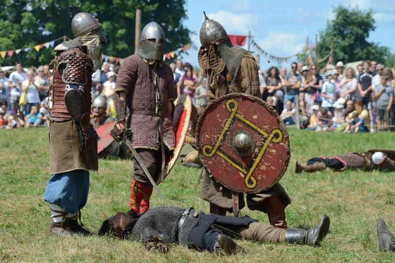 Download Средневековые драки редакционное фотография. изображение насчитывающей случай - 33735952