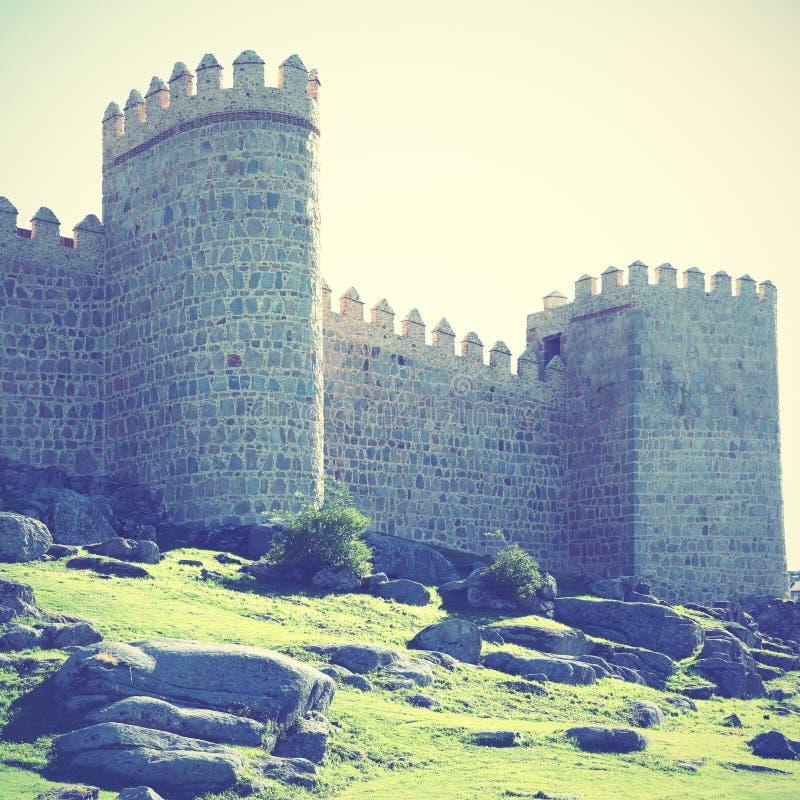 Средневековые стены города Авила стоковое изображение