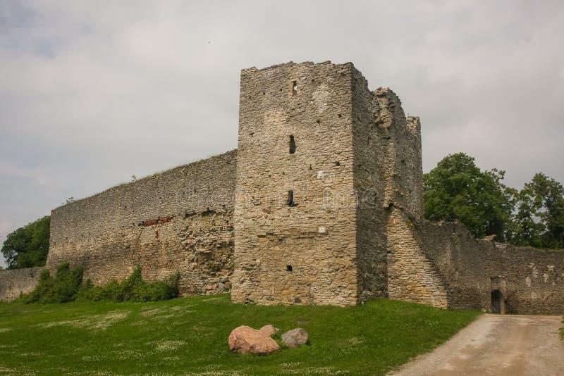 Средневековые стены городища Haapsalu стоковое фото rf