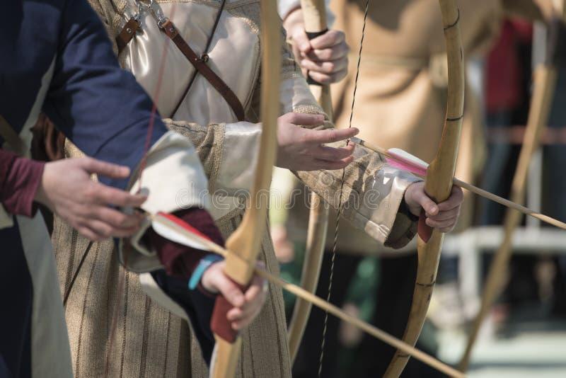 Средневековый смычок стоковая фотография