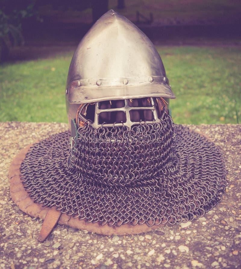 Средневековый шлем стоковые изображения rf