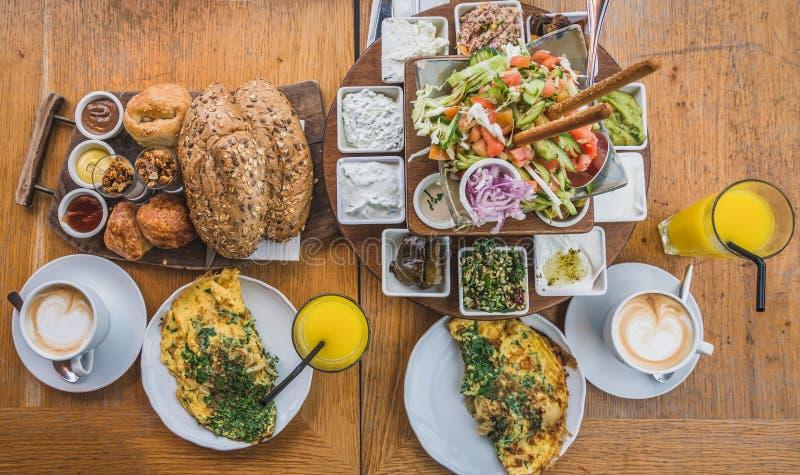 Среднеземноморской завтрак стоковое фото rf