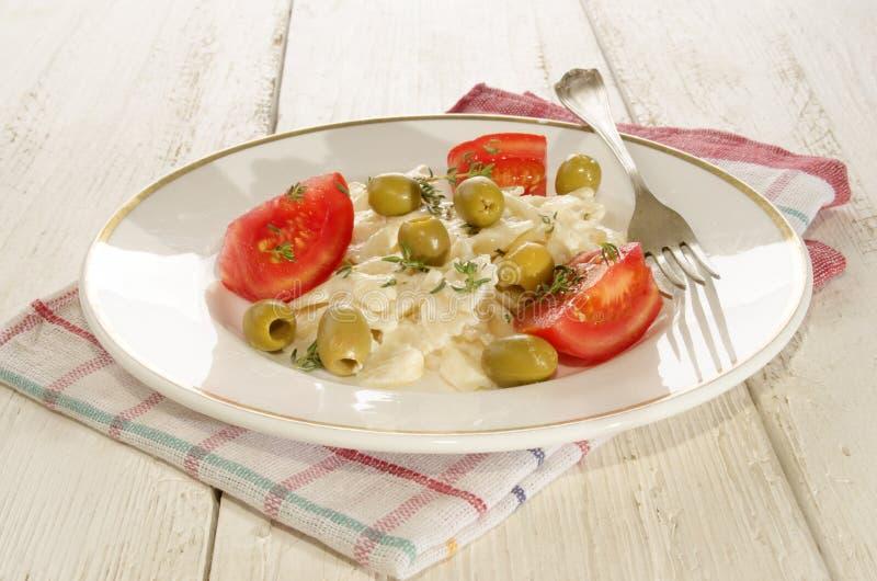 Среднеземноморской салат лапши с майонезом стоковое изображение