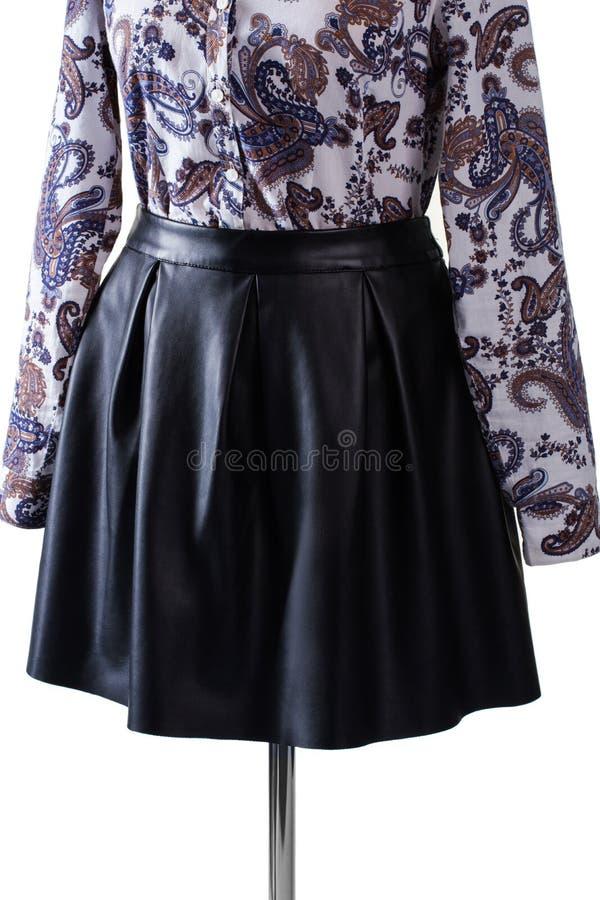 Средств юбка и рубашка длины стоковое изображение