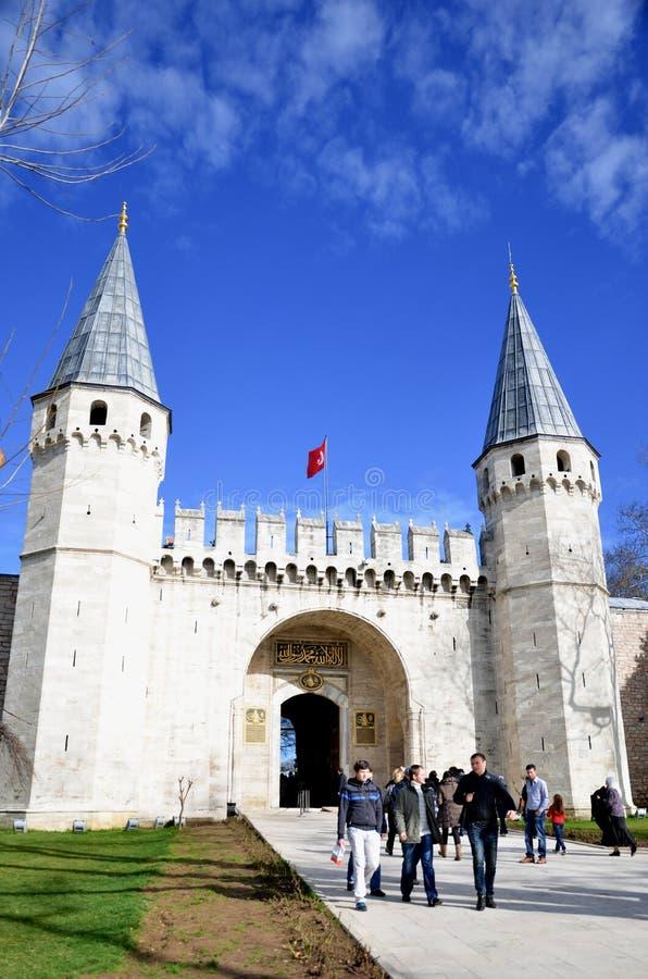 Стамбул, Турция 18-ое января 2013: Вход дворца Топкапы, Стамбул стоковые изображения