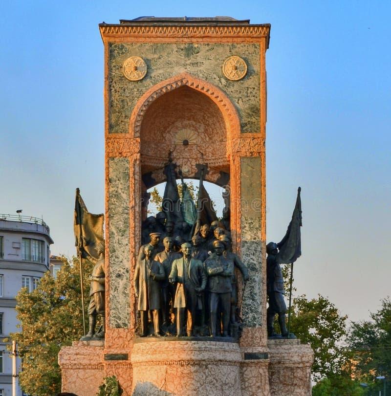 Стамбул Taksim, памятник республики стоковые изображения rf