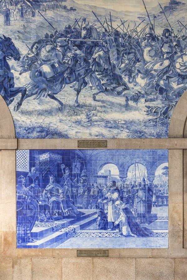 Станция бенто Sao с традиционными portugese плитками Azulejos представляя историю Португалии стоковое фото