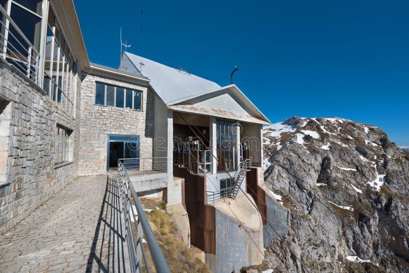 Станция в горах Picos de Европы, Кантабрия фуникулера, Испания стоковая фотография rf