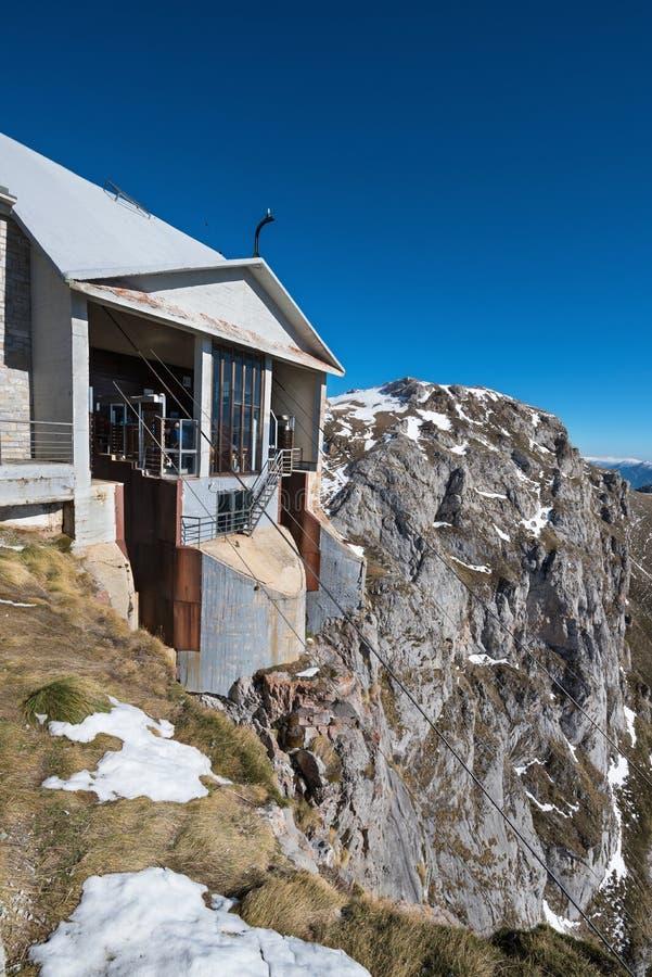 Станция в горах Picos de Европы, Кантабрия фуникулера, Испания стоковое изображение