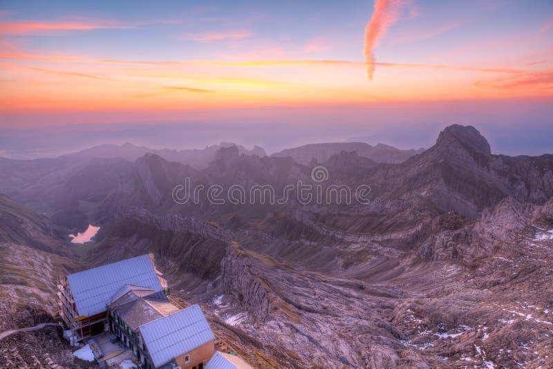 Станция горы на заходе солнца около Saentis, Швейцарии стоковые фотографии rf