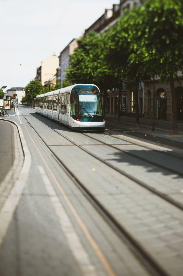станция отклонения прибытия трамвая Франции страсбурга Наклон-переноса стоковое фото rf