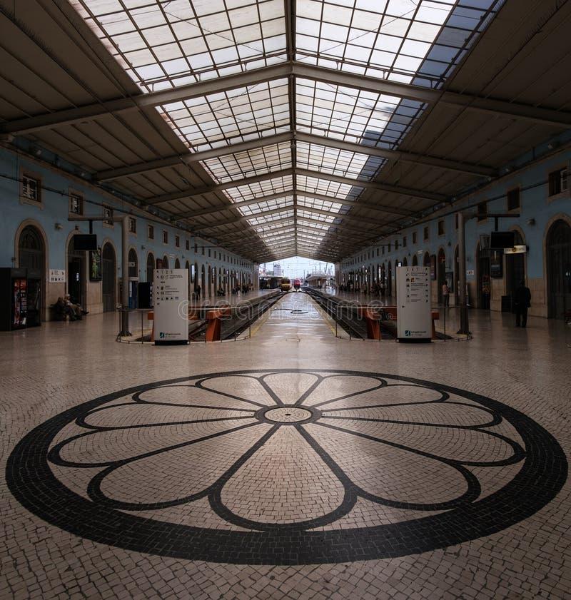 Станция Санты Apolonia в Лиссабоне Португалия стоковые фотографии rf