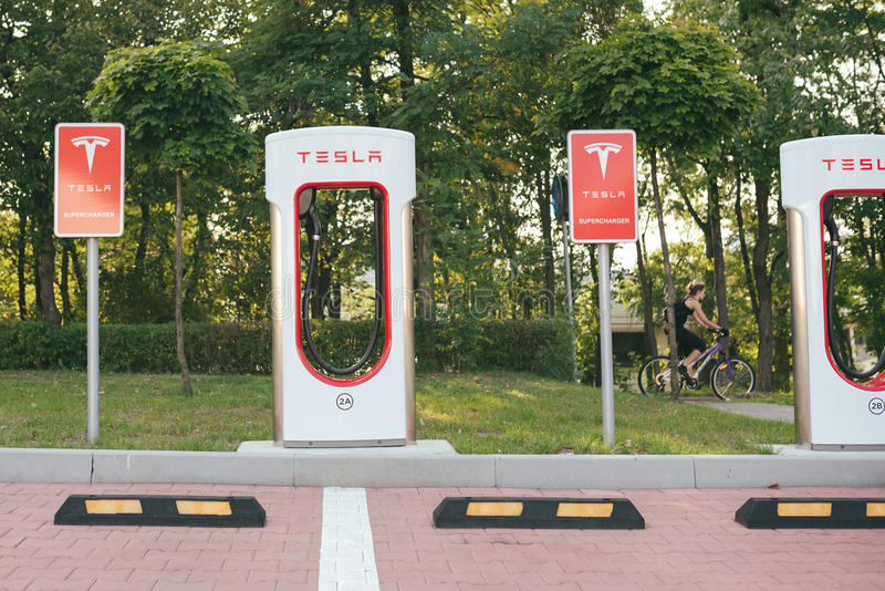 Станция суперчаржера Tesla стоковое фото rf