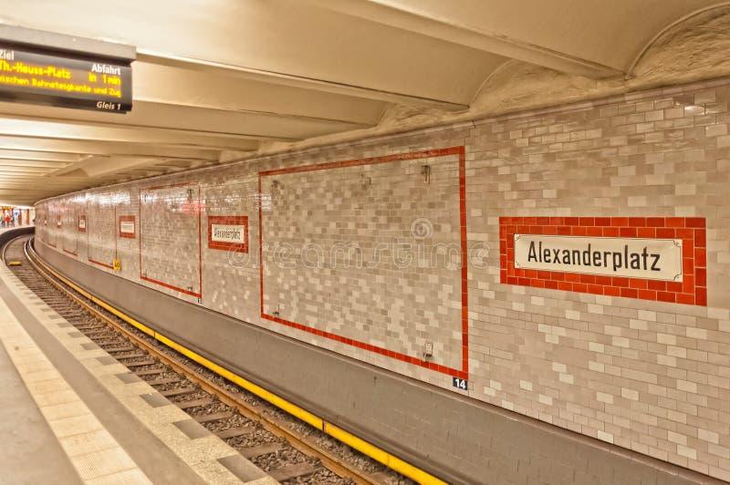 Станция Alexanderplatz U-bahn (метро) в Берлине стоковые изображения rf