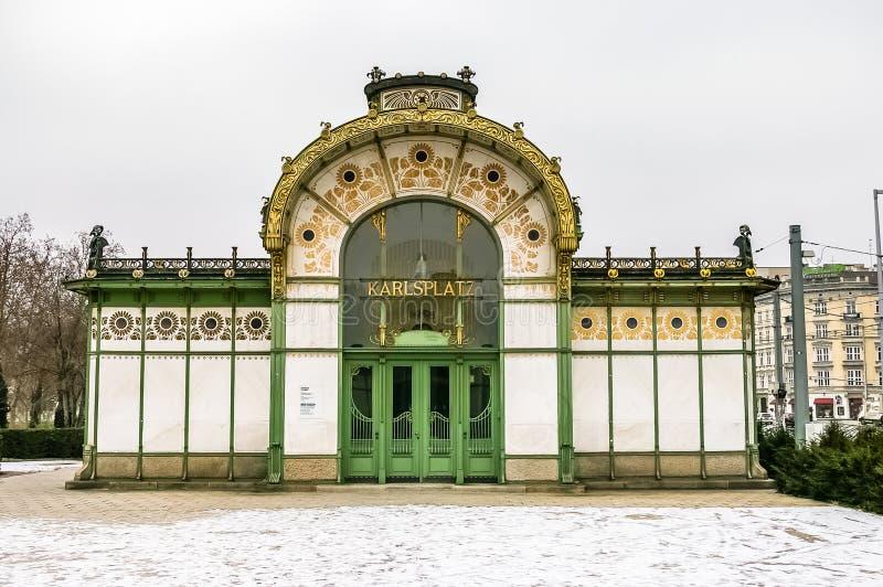 Станция Karlsplatz Stadtbahn в вене стоковая фотография