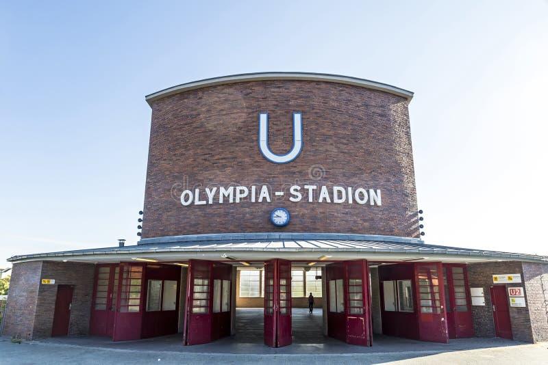 Станция Olympiastadion U-Bahn в Берлине, Германии стоковые изображения rf