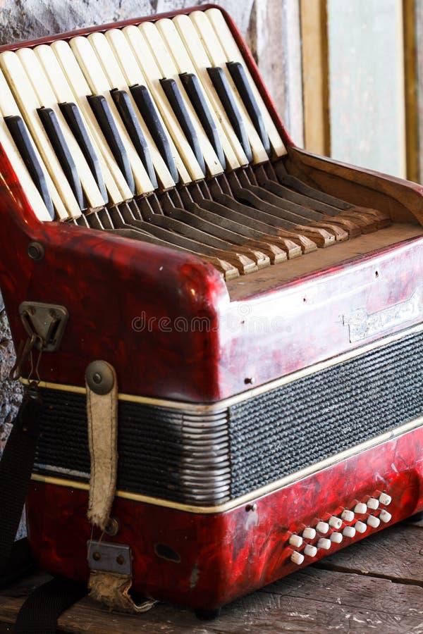 Старая аккордеоня стоковые фотографии rf