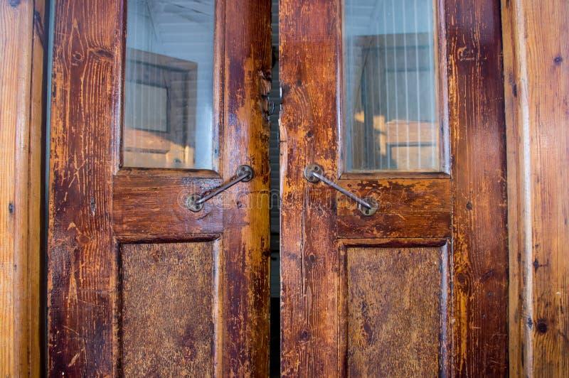 Старая античная дверь для кораблей стоковая фотография rf