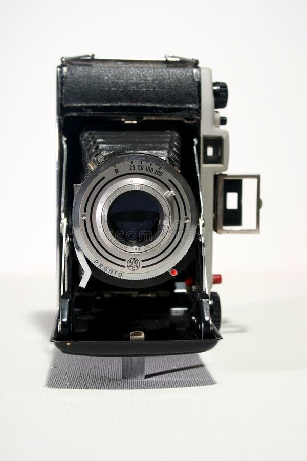 Старая античная камера складчатости стоковые изображения