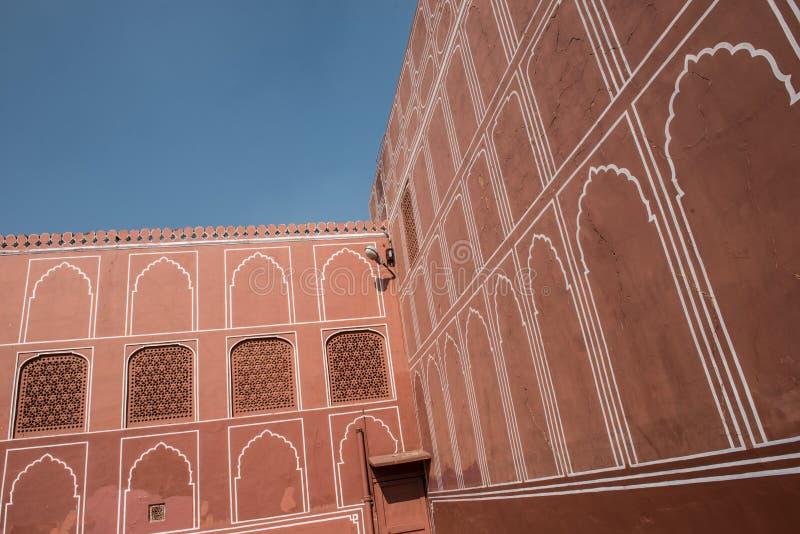 Старая архитектура в Chandra Mahal стоковое изображение
