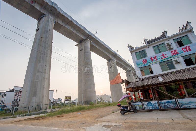 Старая архитектура и большинств красивая деревня фарфора вызывают деревню Likeng ` в ` Wuyuan расположенный в центре страны Китая стоковые изображения