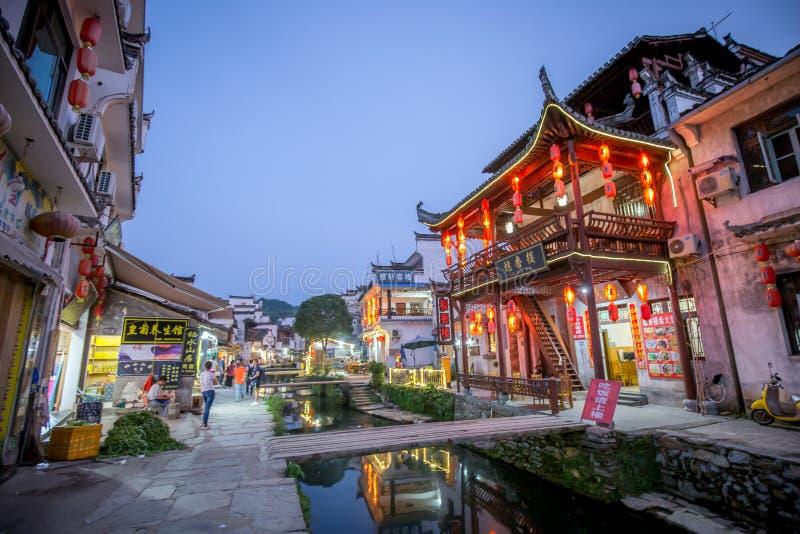 Старая архитектура и большинств красивая деревня фарфора вызывают деревню Likeng ` в ` Wuyuan расположенный в центре страны Китая стоковые изображения rf