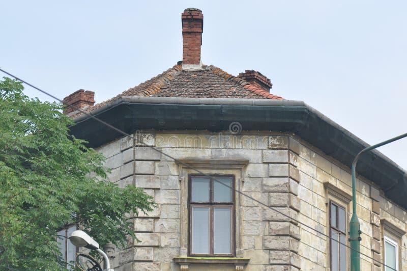 Старая башня многоквартирного дома стоковое изображение