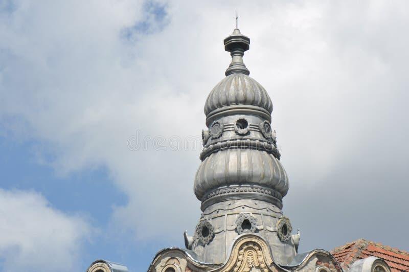 Старая башня многоквартирного дома стоковые фотографии rf