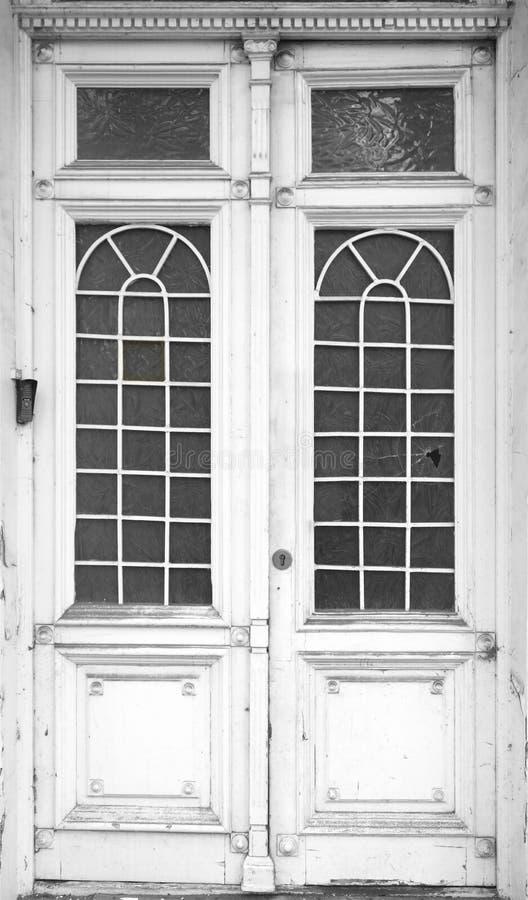 Старая белая деревянная текстура двери стоковые изображения