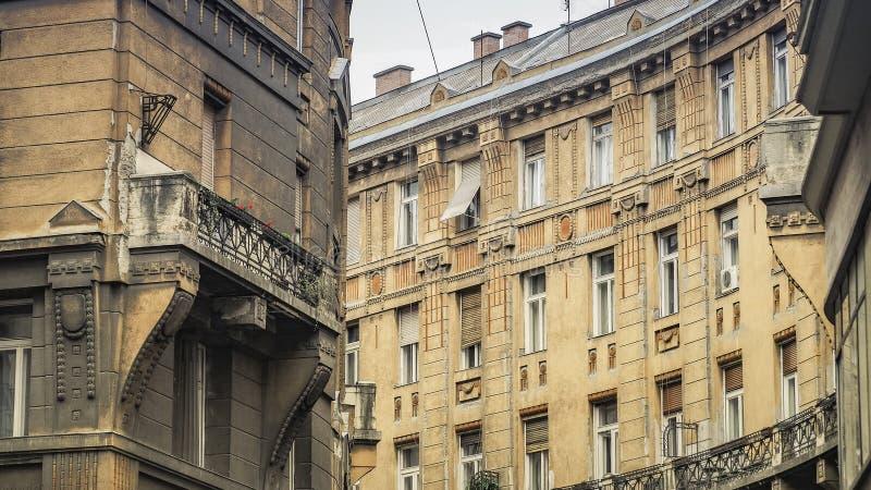 Старая венгерская архитектура в центре города Будапешта, района VII, Венгрия стоковое фото rf