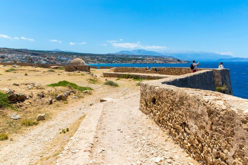 Download Старая венецианская гавань в Rethymno, Крите Стоковое Фото - изображение насчитывающей стыковка, ведущего: 37925910