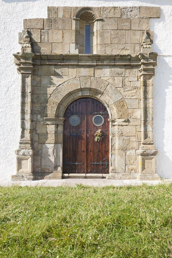 Старая дверь обители стоковые фото