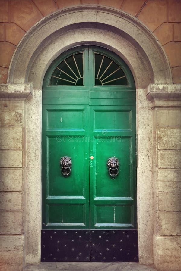 Старая дверь стоковая фотография rf