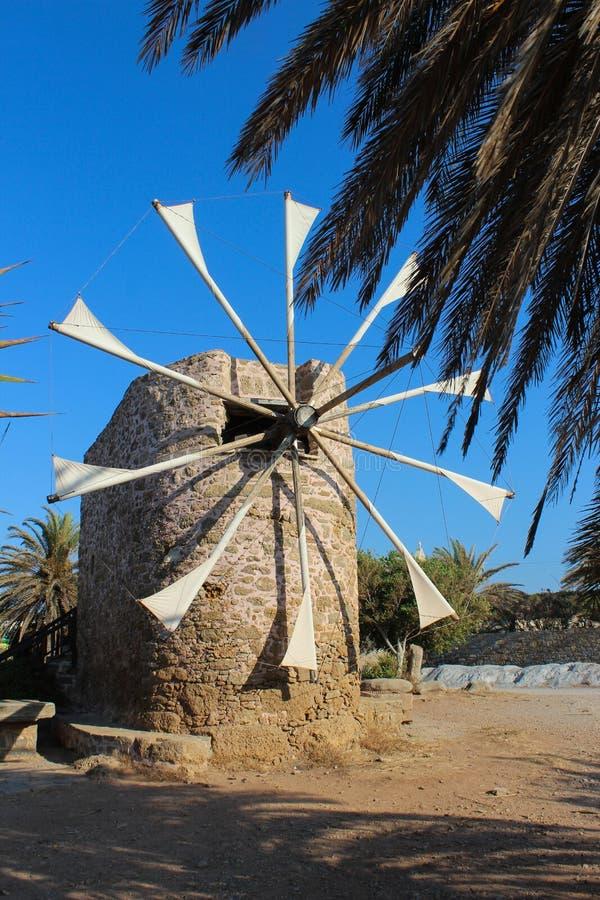 Старая ветрянка, остров Крита, Греция стоковая фотография