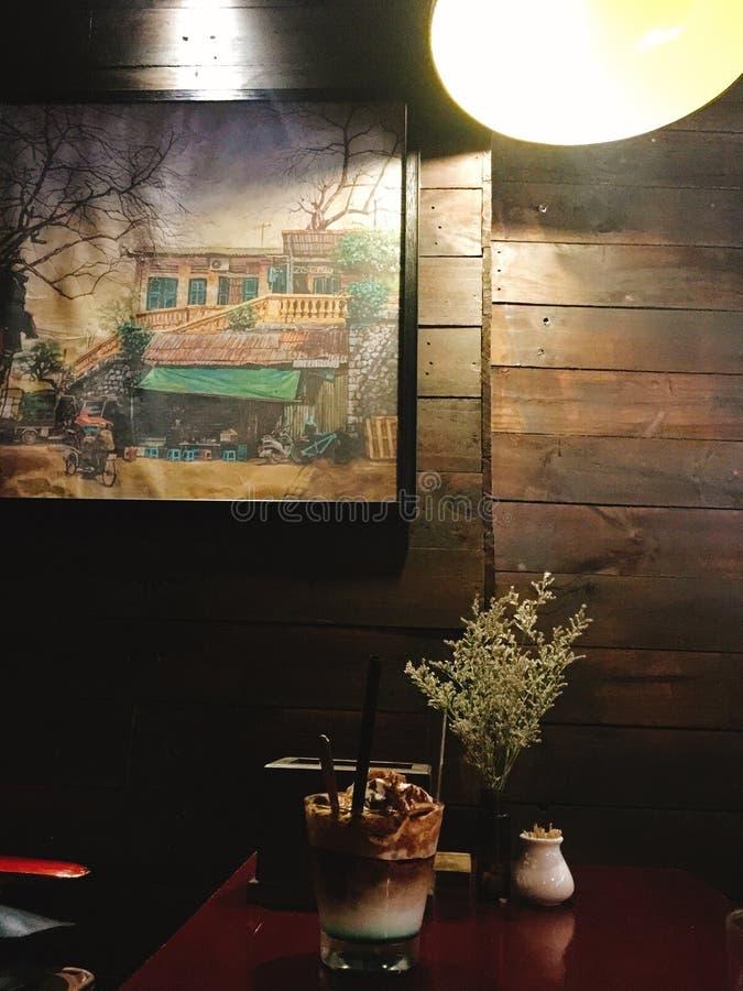 Старая винтажная кофейня стоковые изображения