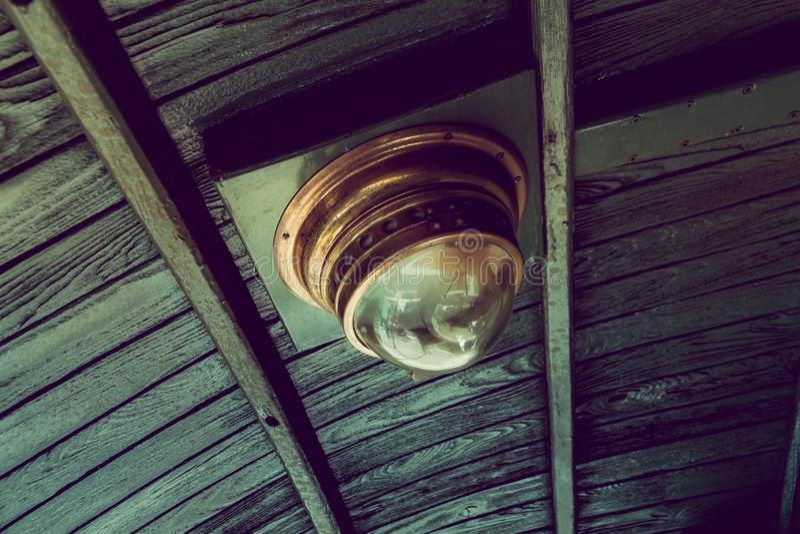 Старая винтажная лампа поезда стоковые фото