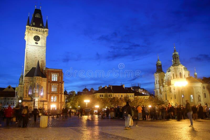 Старая городская площадь Прага в вечере стоковые фото