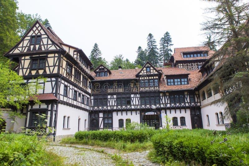 Старая гостиница stile в лесе стоковое фото