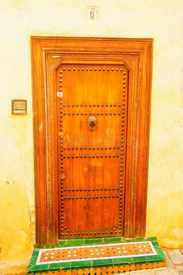 составов, деревянные арабские вещи фото асимметричного коктейльного