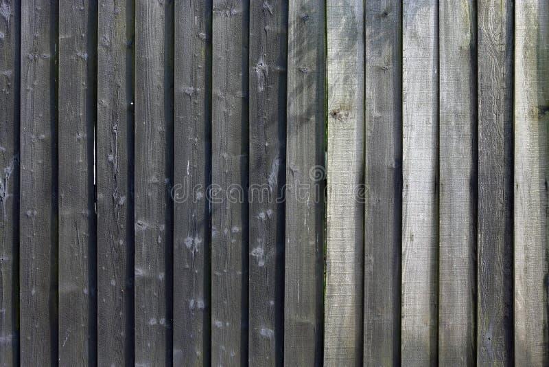 Старая деревянная выдержанная панель загородки стоковые изображения rf