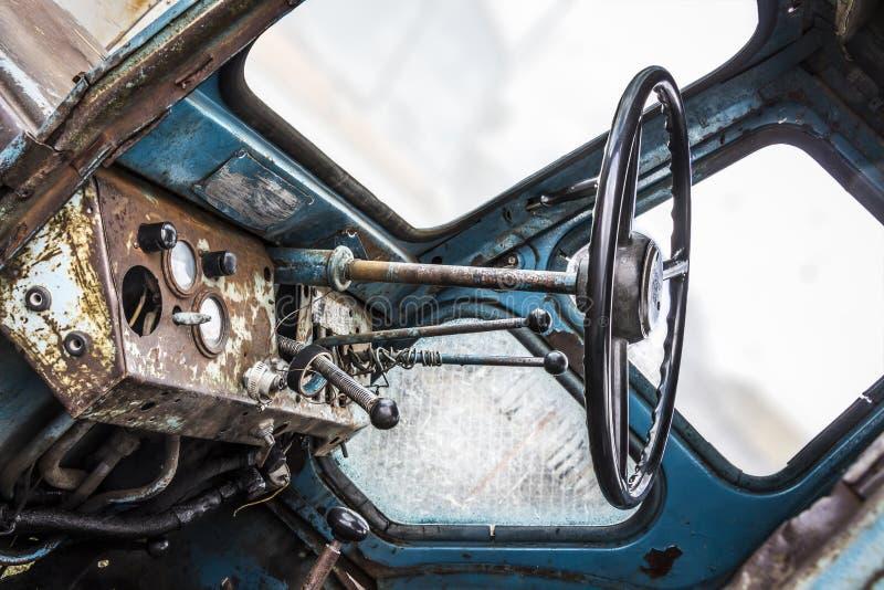 Старая кабина трактора стоковые изображения
