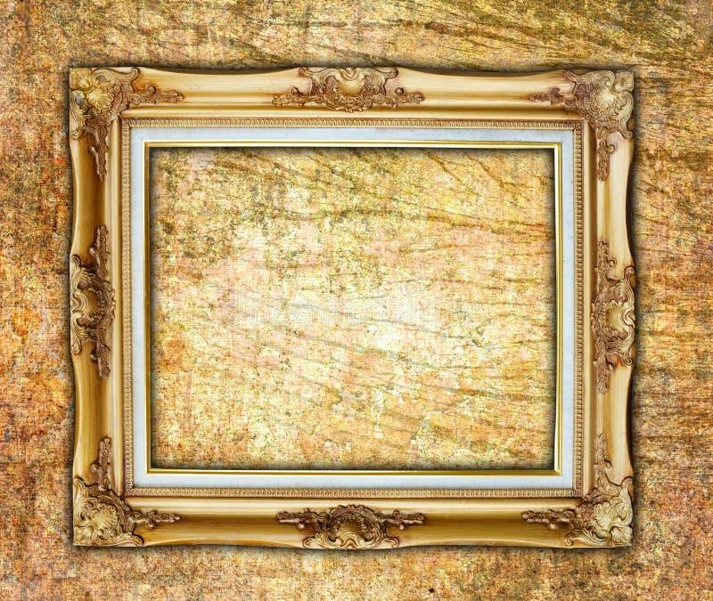 Старая картинная рамка на стене стоковое изображение rf