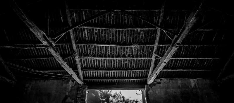 Старая китайская крыша внутрь стоковые фото